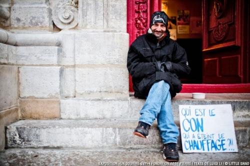pancartes-sourire-fondation-abbe-pierre-2-640x426.jpg