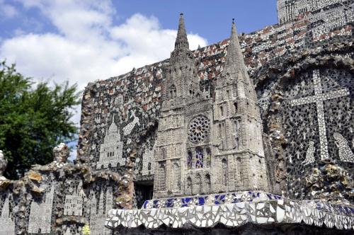 cathédrale-raymond-isidore.jpeg