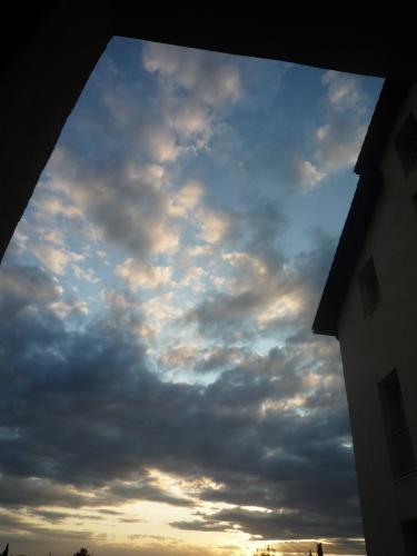 nuages fenêtre.jpg