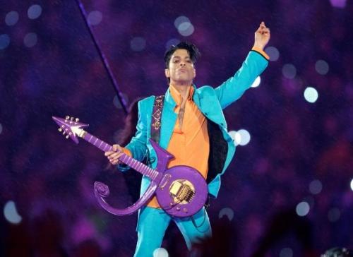 prince guitare.jpg